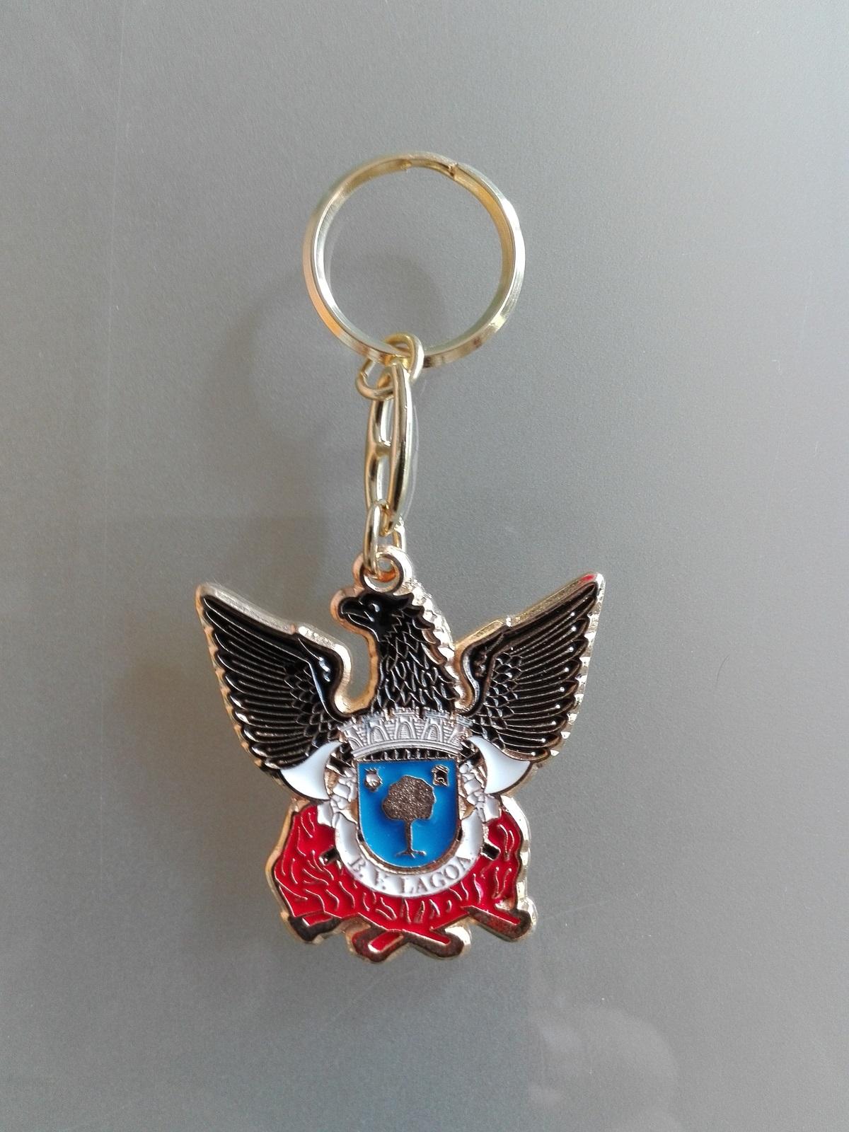 Porta chaves esmaltado e recortado. Bombeiros - Bandeiras do Algarve