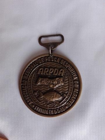 Medalha oxidada Zamak. Com belheira. Várias dimensões e modelos - Bandeiras do Algarve